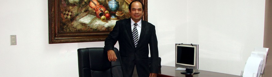 Dr. Fernando Quesada