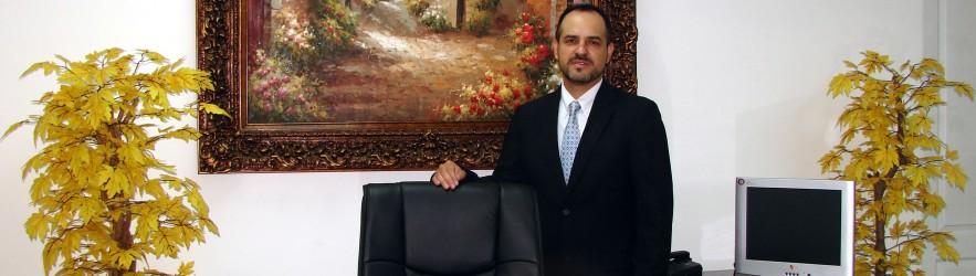 Dr. Carlos Zavaleta
